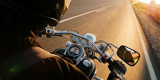 Gants moto obligatoires Var
