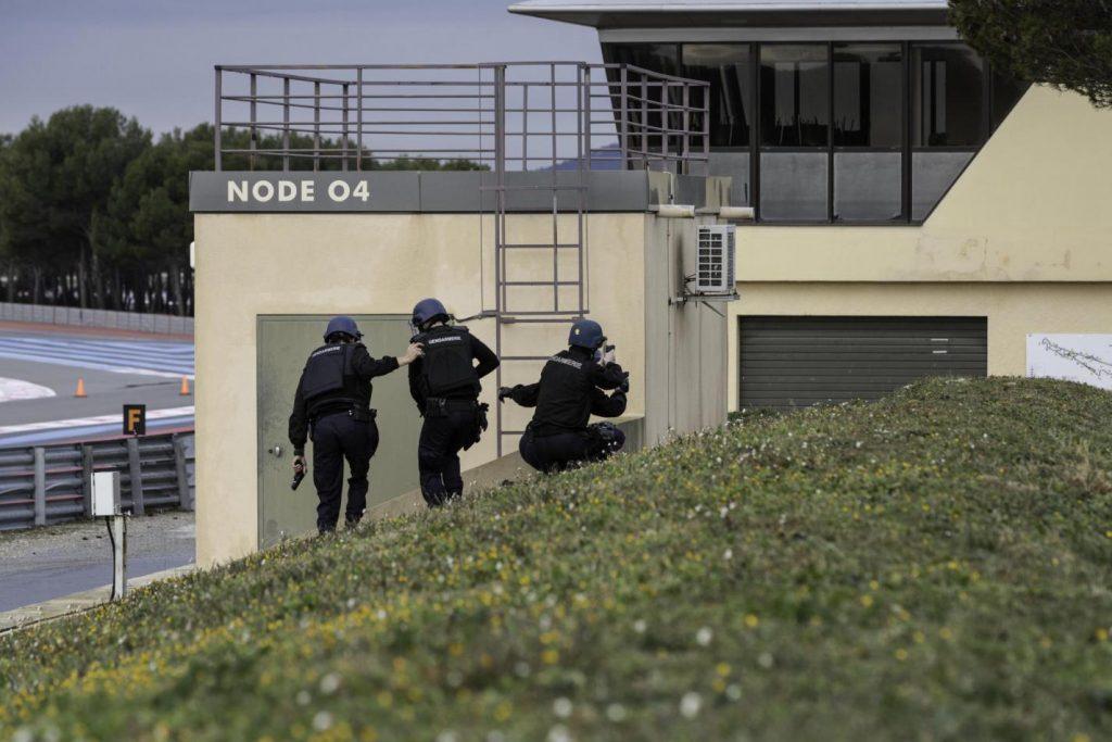 Droits : Gendarmerie entrainement Circuit du Castellet Paul Ricard