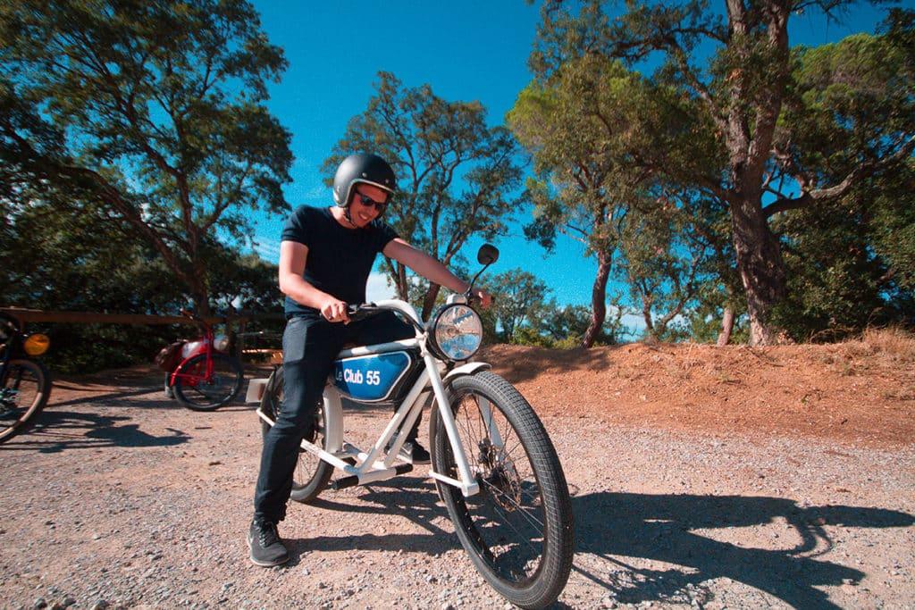 Guêpe Mobile moto électrique Saint-Tropez