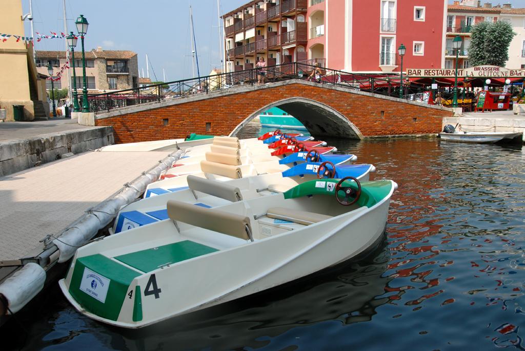 Barque électrique Port-Grimaud